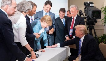 Trump Twitter imágenes versión cumbre G7