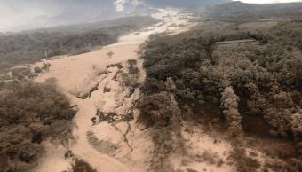 Volcán de Fuego lanza flujo piroclástico