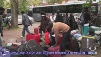 200 niños migrantes viven en calles de París, Francia