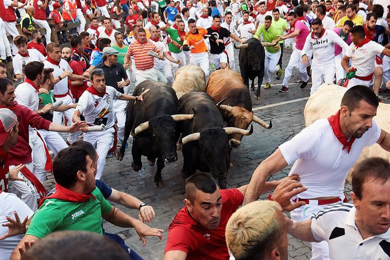 Quinto encierro de San Fermín: Emocionante y vistoso