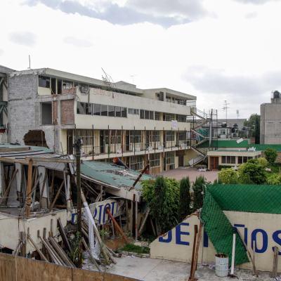 Vecinos del Colegio Rébsamen, molestos por cierre de calle