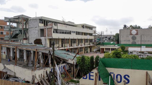 Colegio Rébsamen: vecinos molestos por cierre de calle