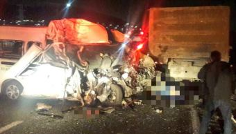 Accidente de combi en la autopista México-Pachuca