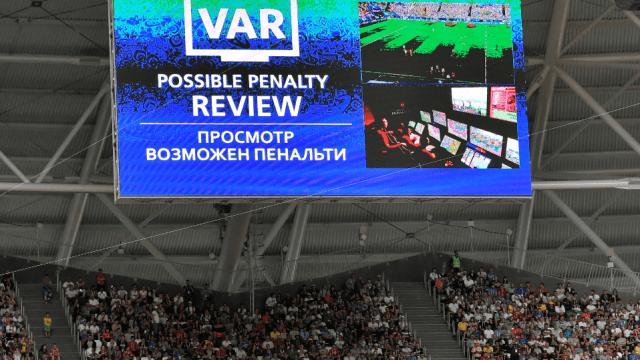 Videoarbitraje se usó 440 veces y acabó con goles fuera de juego