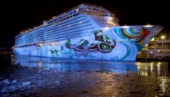 Costera de EU halla a tripulante que cayó de crucero