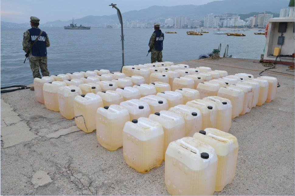Aseguran cocaína y combustible frente a costas de Acapulco, Guerrero
