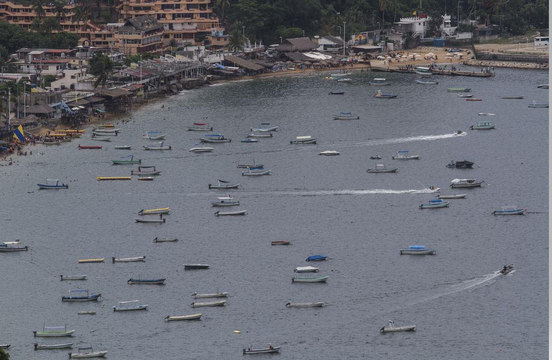 Revisan lanchas turísticas y motos acuáticas en Acapulco