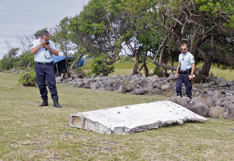 avion malaysia airlines desaparecido 2014 cambio ruta manual