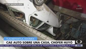 Cae auto en casa de Tlalnepantla, Estado de México