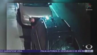 Cámaras captan a ladrón de autopartes en la delegación Benito Juárez