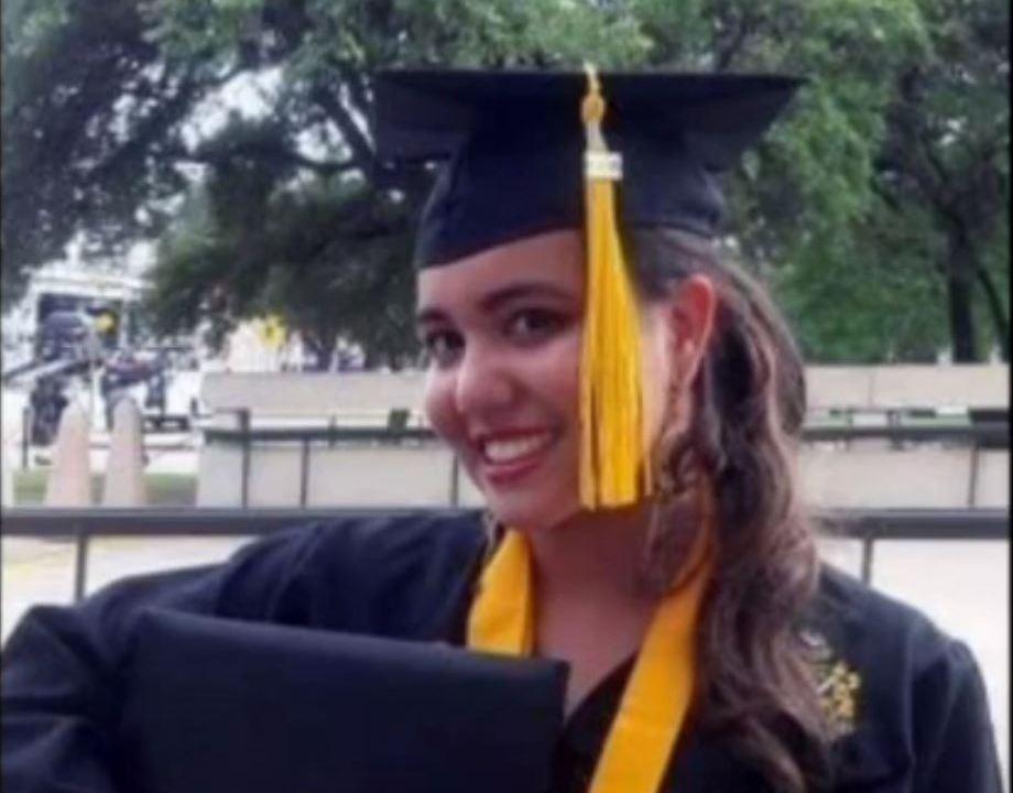 Detienen a mexicana por agredir a policía en Austin, Texas