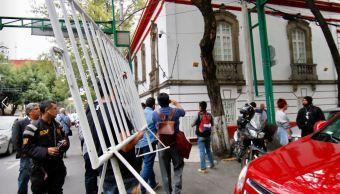 Cierran calles aledañas a casa de transición de AMLO