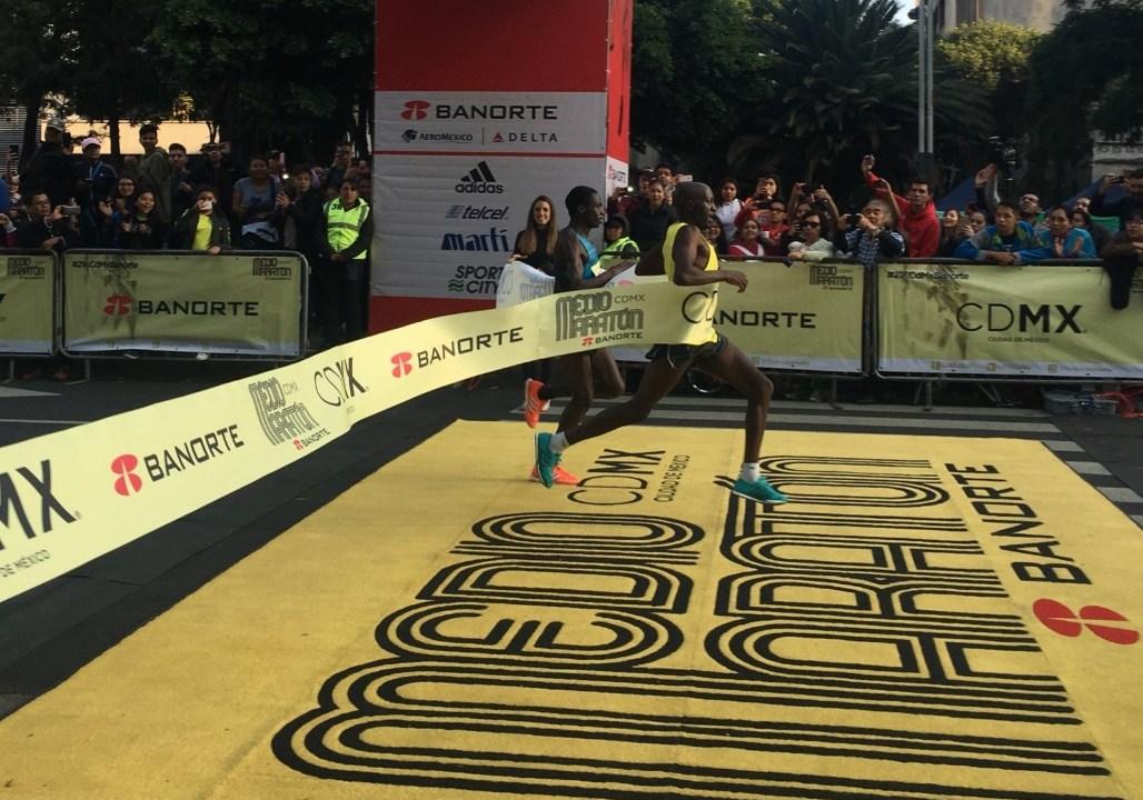 Corredores de Kenia ganan el Medio Maratón de la CDMX