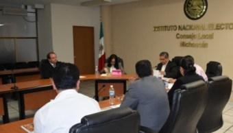 Roban y queman papelería electoral en 3 municipios Michoacán