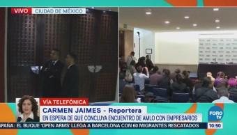 Continúa la reunión entre López Obrador y el CCE