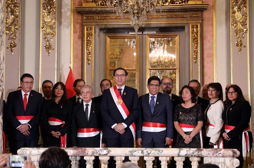 Escándalo de corrupción alcanza nuevo fiscal general Perú