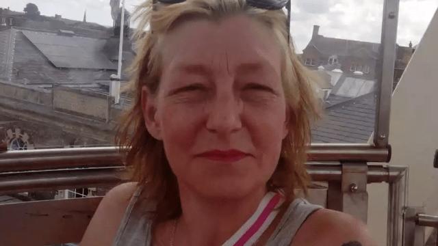 policía britanica investiga como asesinato muerte mujer intoxicada novichok