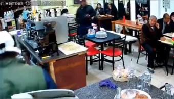 Asaltan con armas de fuego una cafetería en Torres de Padierna