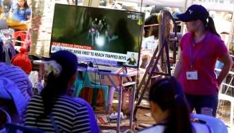 El mundo ora por los Jabalíes Salvajes, niños atrapados