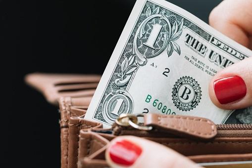 Sube dólar a $20.40; asimilan triunfo de AMLO en elecciones
