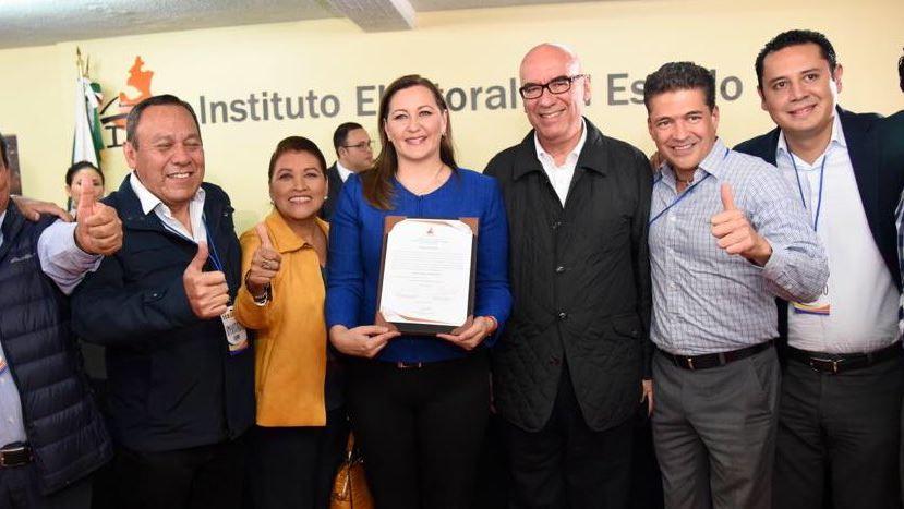 Erika Alonso recibe constancia como gobernadora electa de Puebla