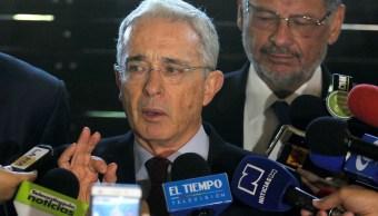Corte Suprema Colombia suspende procesos contra Uribe