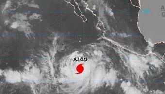 'Fabio' evoluciona a huracán categoría 1 en Cabo San Lucas