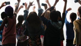Adolescentes de la generación iGen podrían sufrir crisis