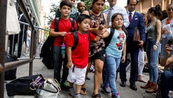 Guatemalteca recupera hijos separados frontera México