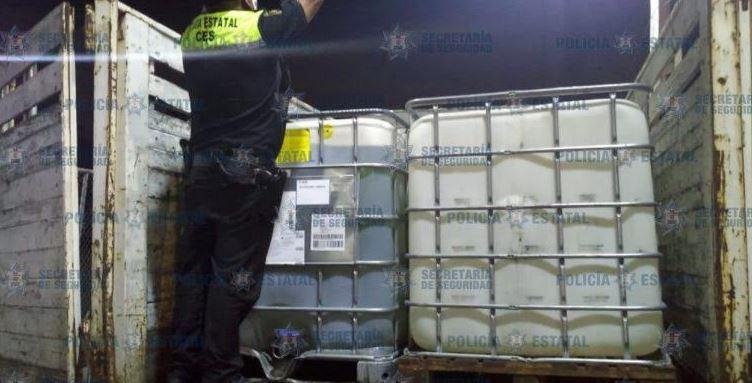 Aseguran tres mil litros de combustible robado en Edomex
