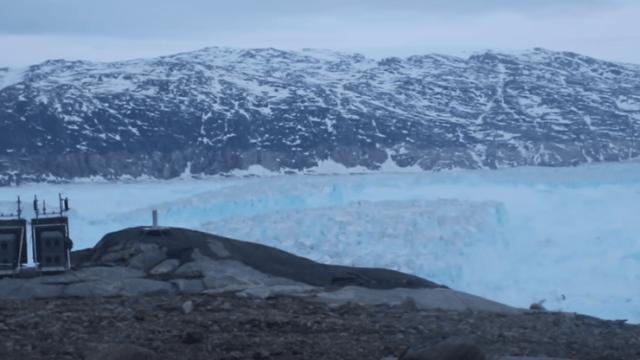 Iceberg de 6 kilómetros se separa de glaciar en Groenlandia