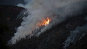 Incendio forestal amenaza parque Yosemite California