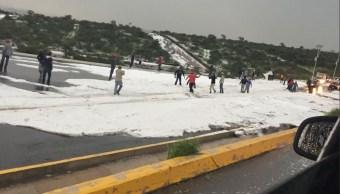 Una intensa granizada cae en Querétaro y en el Marqués
