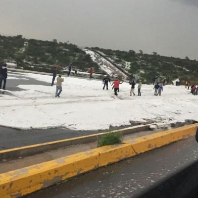 Una intensa granizada cae en Querétaro