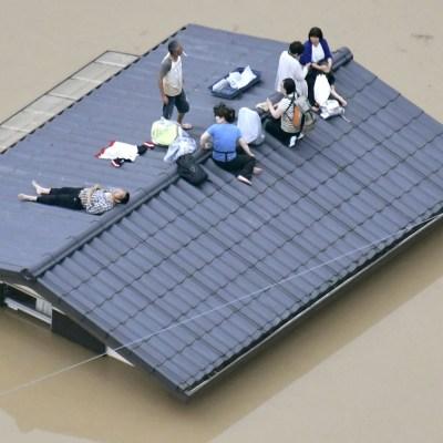 Aumenta a 224 cifra de muertos por inundaciones históricas en Japón