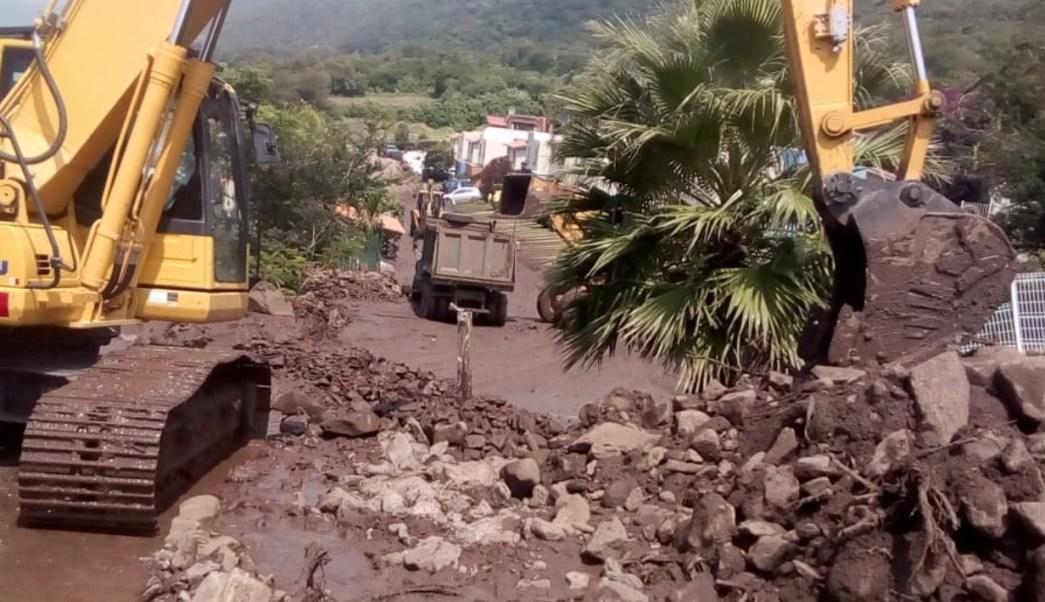 Continúan labores por deslave en Jocotepec, Jalisco