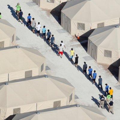 Jueza nombrará supervisor que evalúe condiciones de niños migrantes en Texas