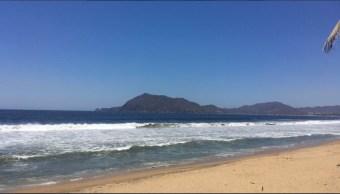 Muere otro turista por alto oleaje en Manzanillo, Colima