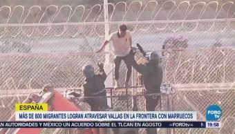 Migrantes Atraviesan Vallas Frontera España Marruecos
