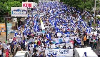 Miles estudiantes marchan Nicaragua y piden renuncia Ortega