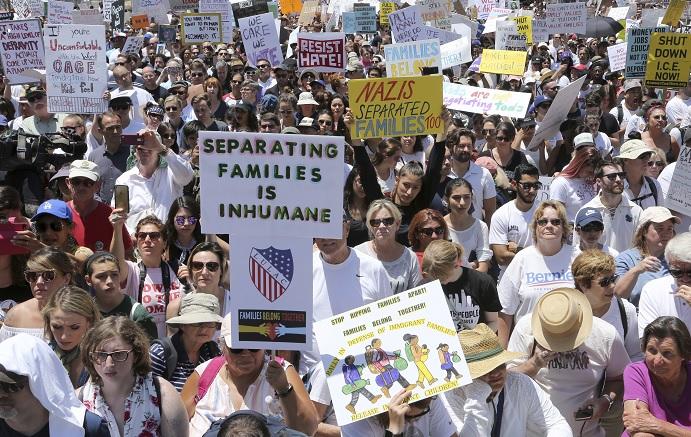 Miles niños migrantes separados familias Estados Unidos