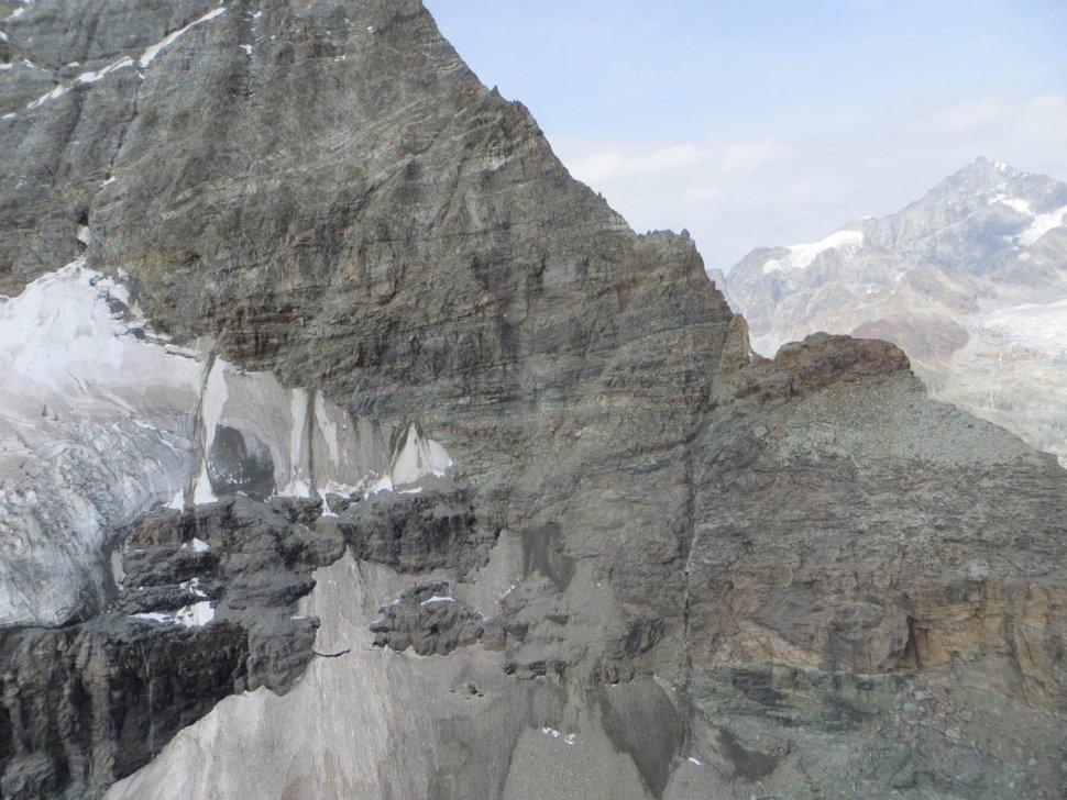 Cadáveres hallados en los alpes suizos en sus glaciares