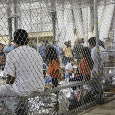 Niños migrantes pasan hambre y frío en centros de detención de Estados Unidos