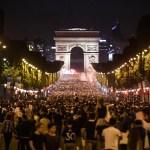 París Francia celebra pase final Mundial Rusia 2018