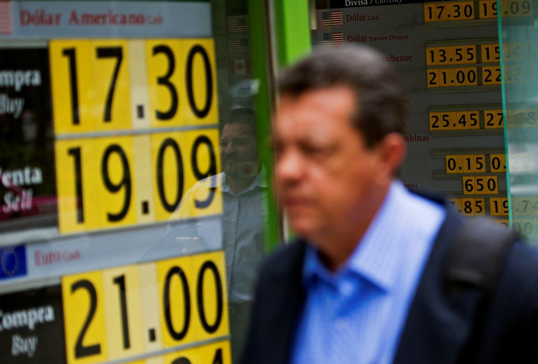 Dólar, hasta en 19.47 pesos en bancos de la Ciudad de México