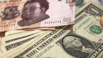 Peso mexicano se deprecia, dólar cotiza a 19.02