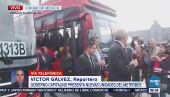 Presentan nuevas unidades del Metrobús CDMX