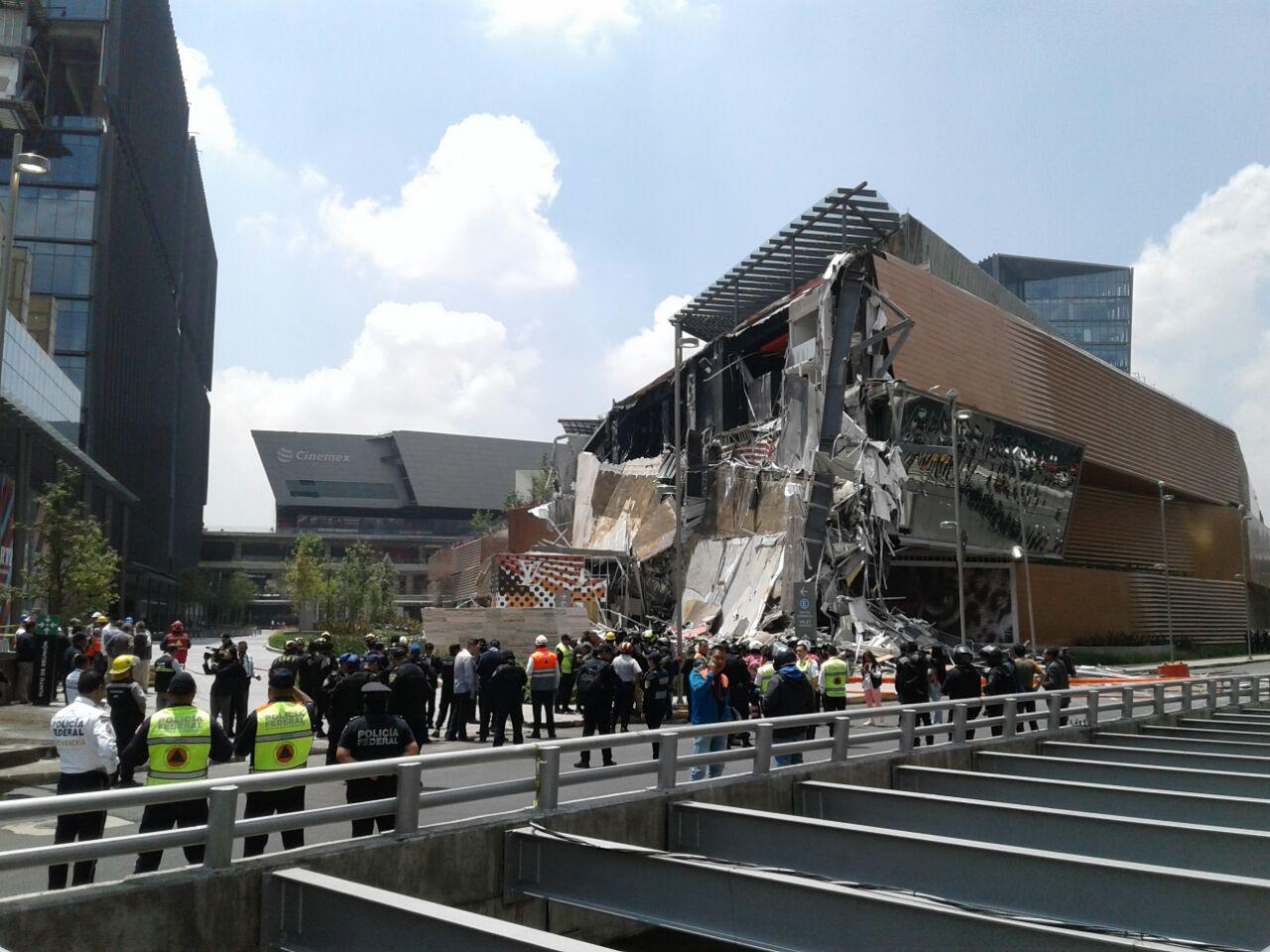 Impactante derrumbe en un shopping de México