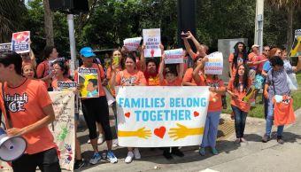 Niñeras protestan contra políticas de detención de Trump