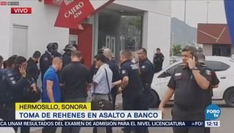 Reportan toma de rehenes tras intento de asalto a banco en Hermosillo